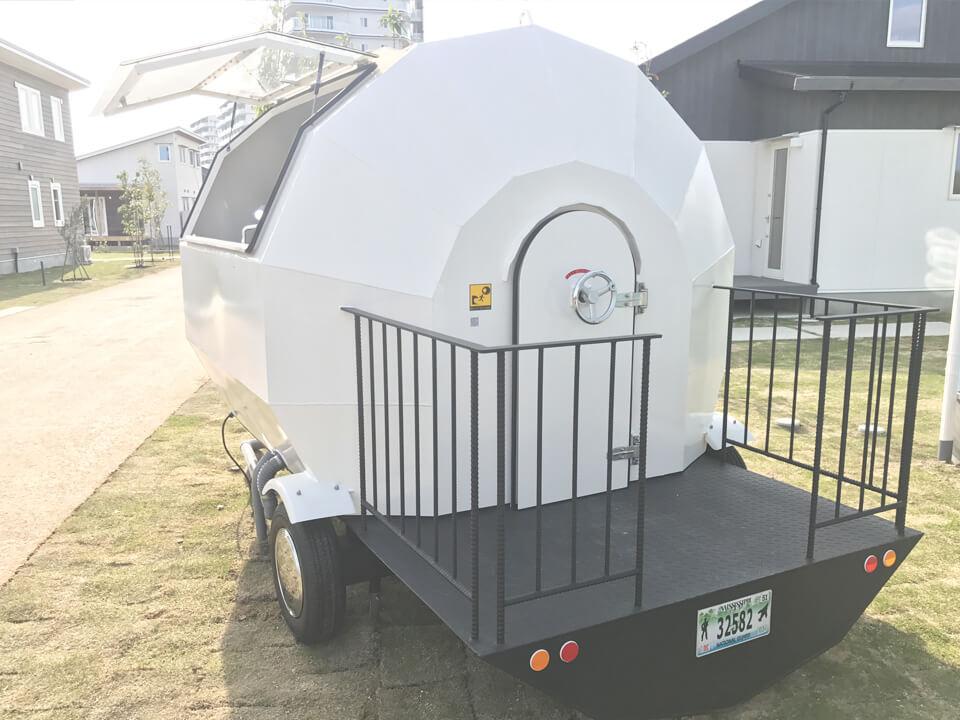 013_soccer-ball-type-house